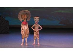 Lion King he Musical Simba and Nala